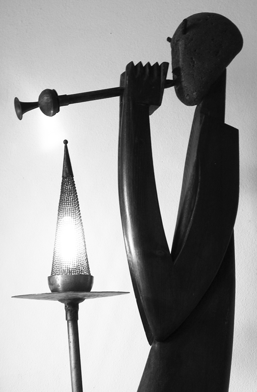 010 - SATIRO  (part.) 1987 -wood/volcanic stone/iron/copper/brass  lamp  220v  50w   219 x 45 x 32 cm.