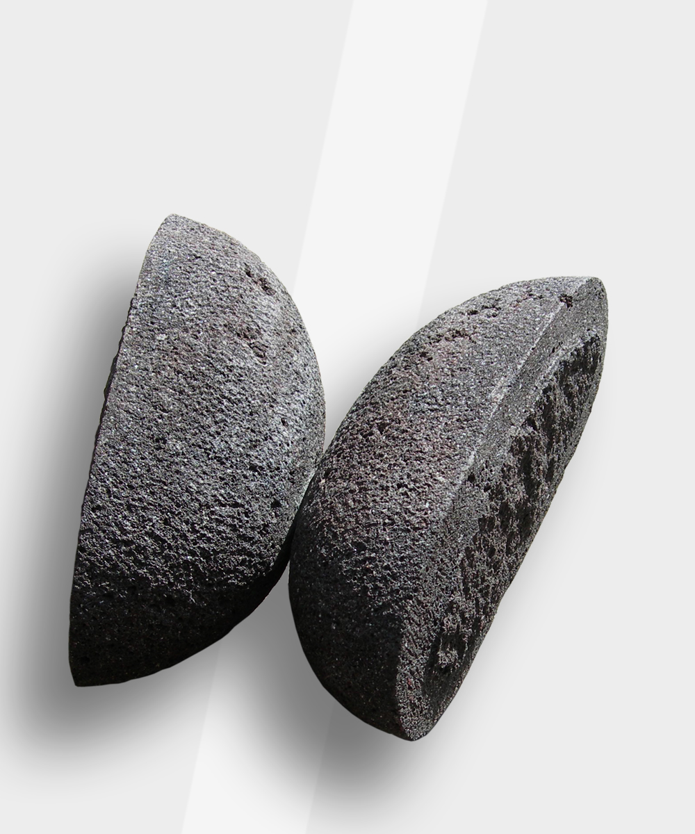 IL BACIO (Androgynous) 2012 pietra vulcanica 23 x 28 x 10,5 cm