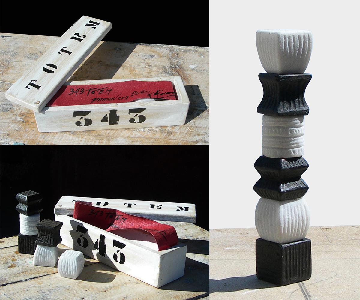 343-TOTEM   -2020 ebnoy wood   white marble Carrara  H= 15 cm